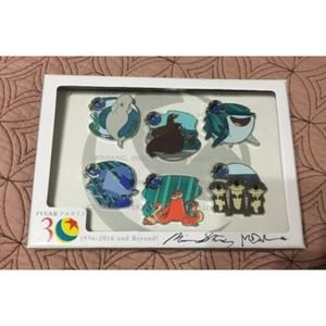 Disney Pins Finding Dory Complete Boxed Set Signed